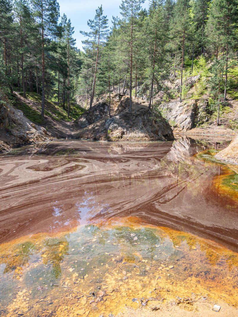 czerwone jeziorko dolny śląsk kolorowe jeziorka