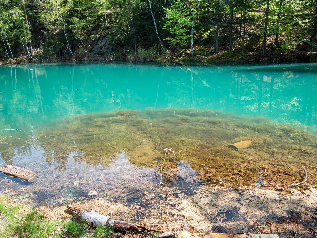 błękitne jeziorko rudawy janowickie dolny śląsk