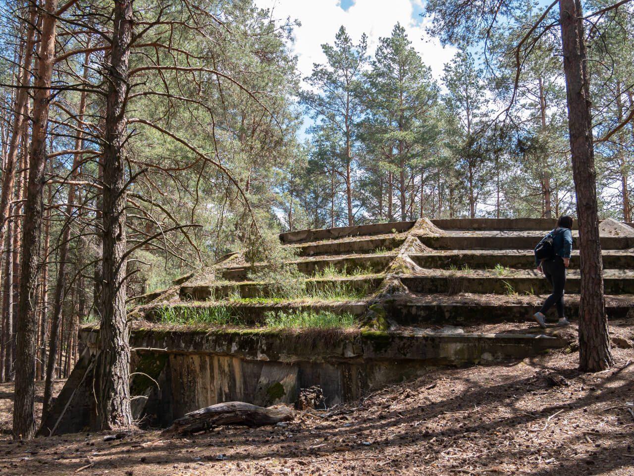 Zbiornik w lesie fabryka DAG Krzystkowice