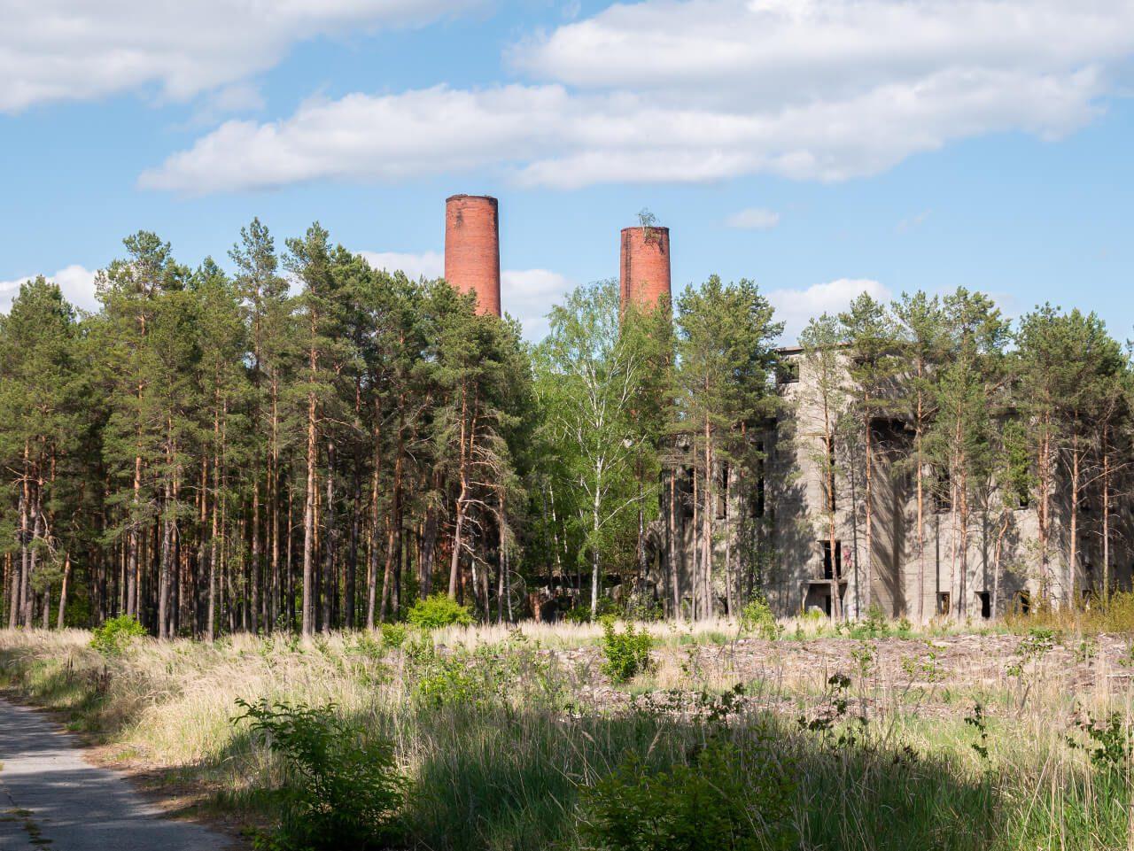 Kominy elektrociepłownia kompleks DAG Nowogród