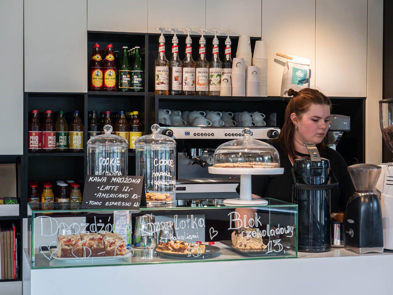 wnętrze kawiarnia info wuwa wrocław