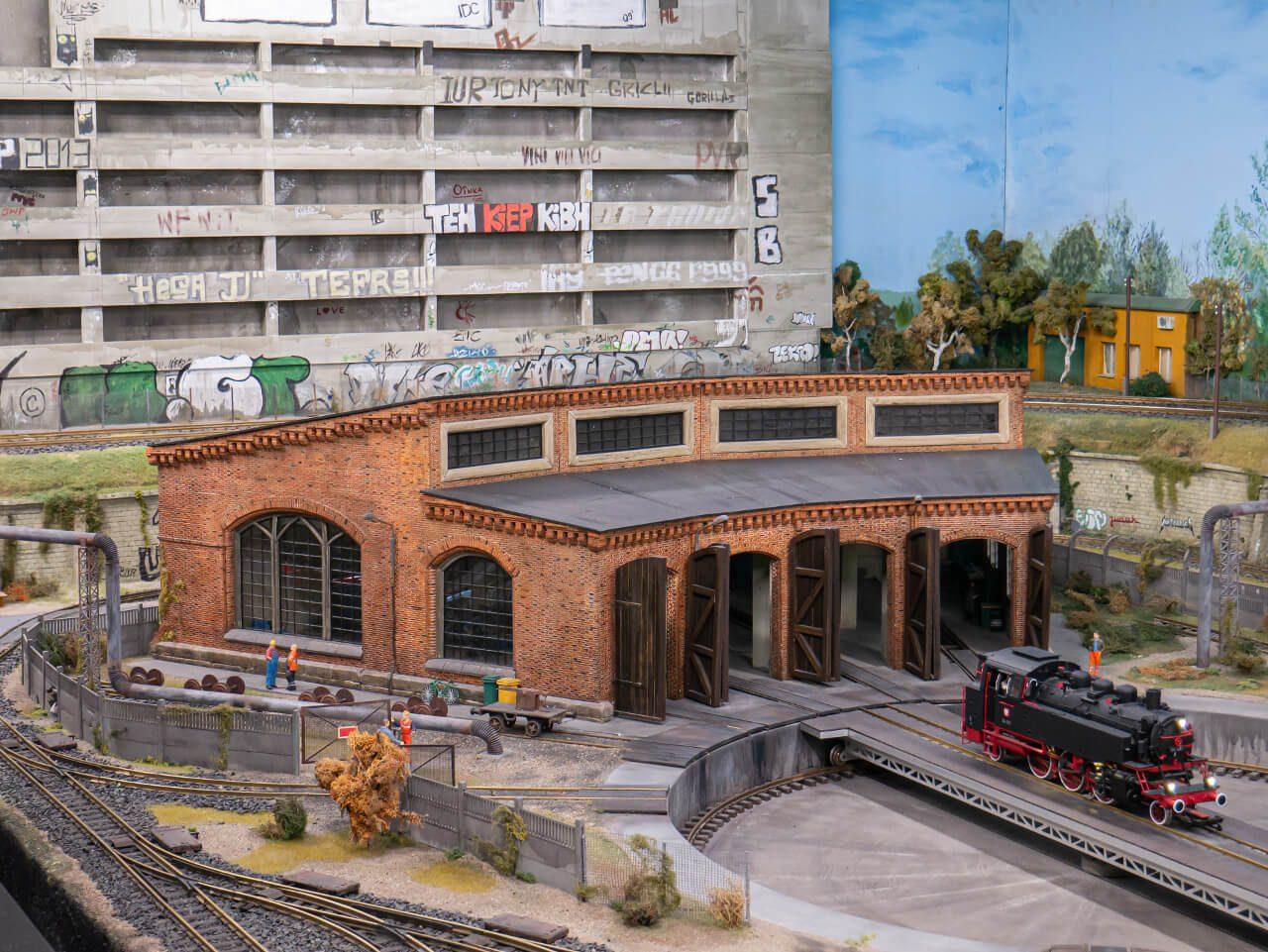 makieta kolejowa Kolejkowo lokomotywownia
