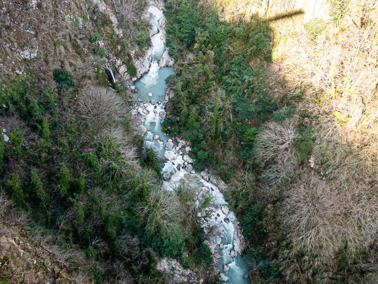 rzeka okatse w gruzji