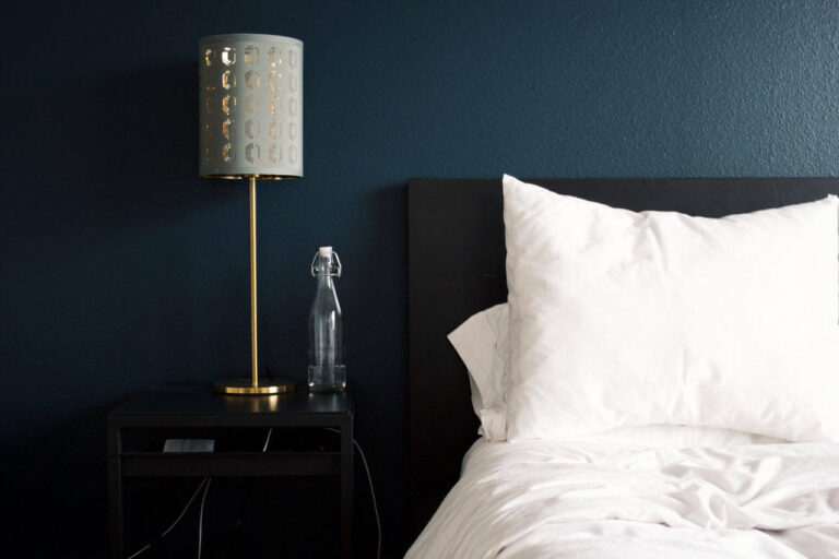Łóżko hotel Bookingcom