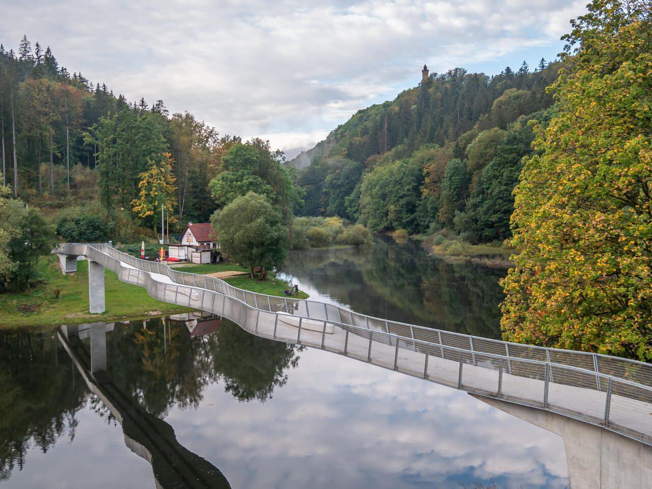 Zamek Grodno Jezioro Bystrzyckie Góry Sowie