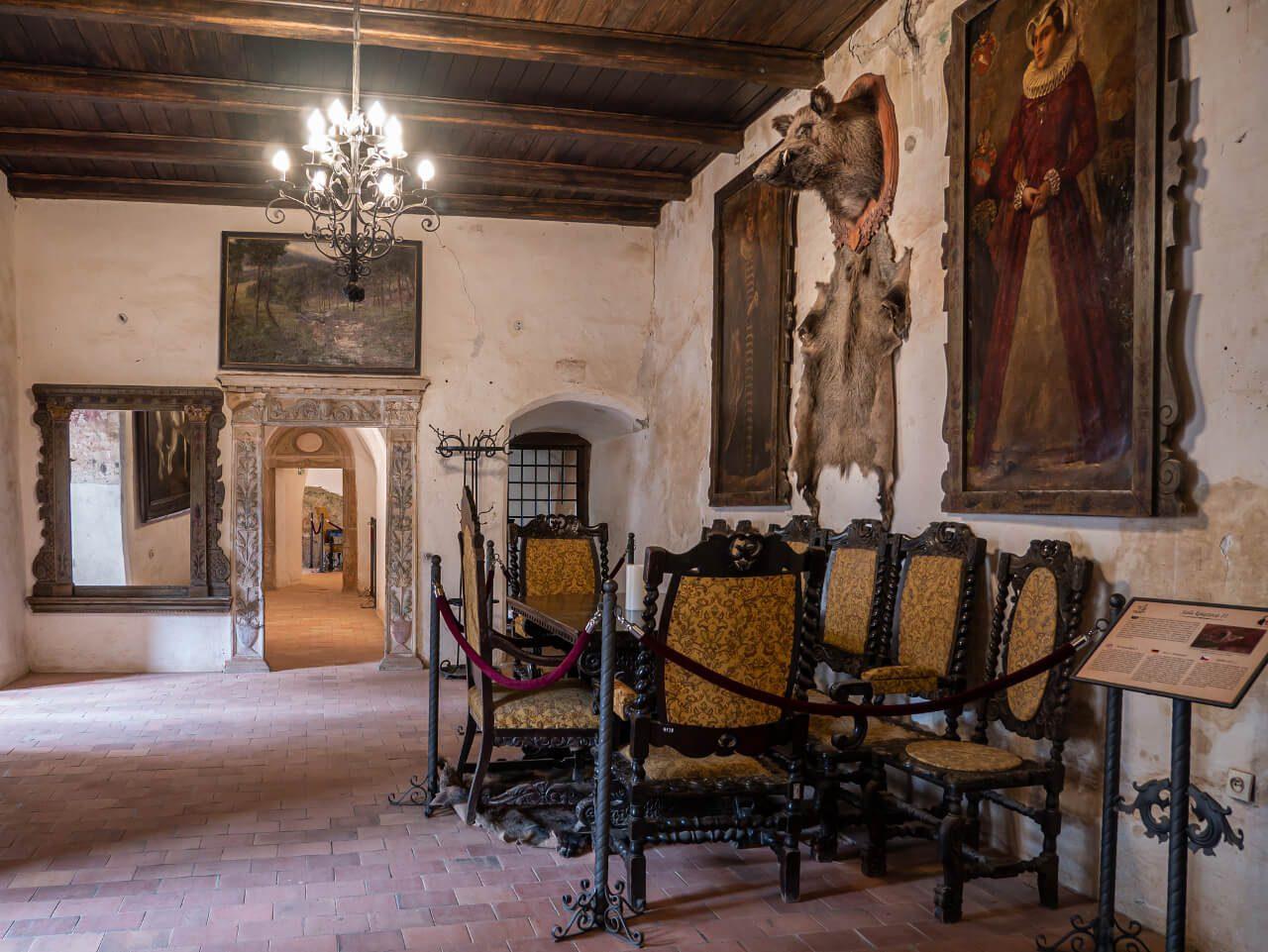 Wnętrze Zamek Grodno Góry Sowie