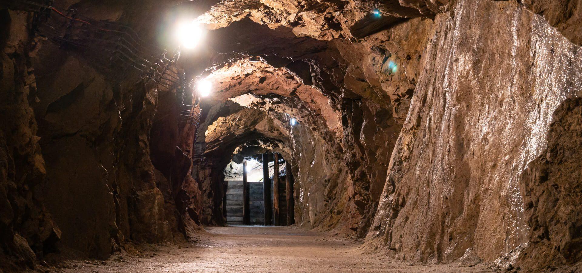 Tajemnicze podziemia Gór Sowich - dlaczego Dolny Śląsk mógł być nowym centrum świata?