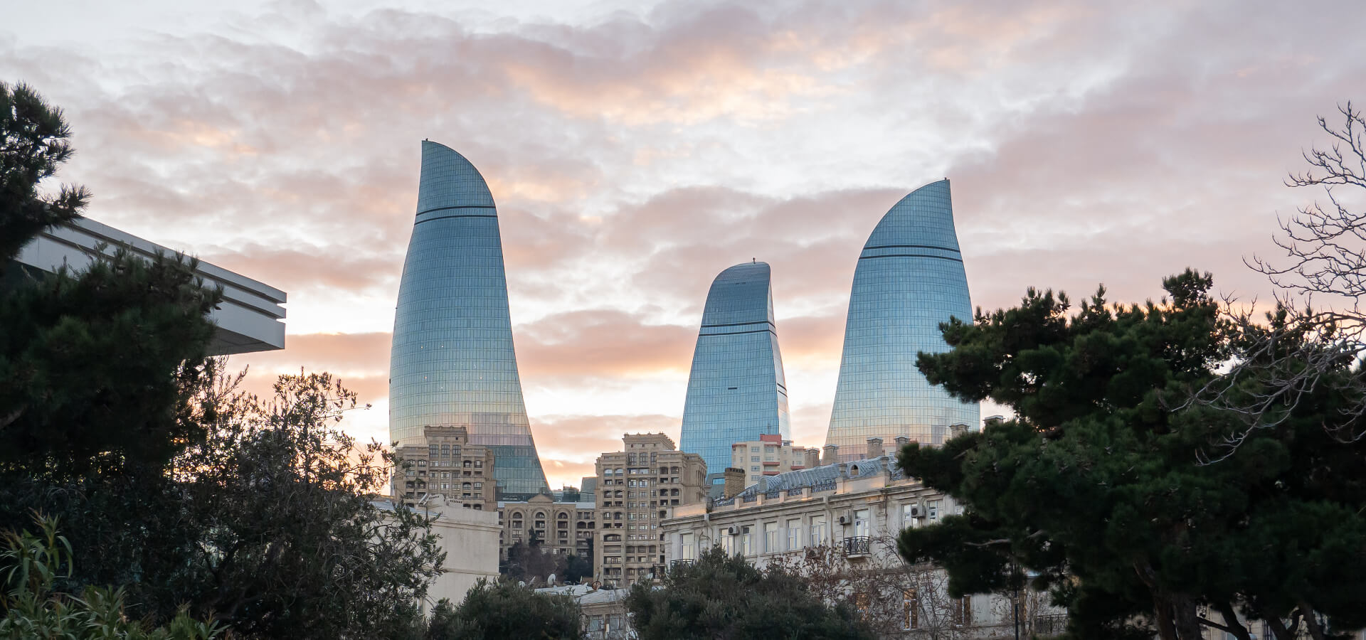 Baku - najniżej położona stolica na świecie. Co warto zobaczyć w stolicy Azerbejdżanu?