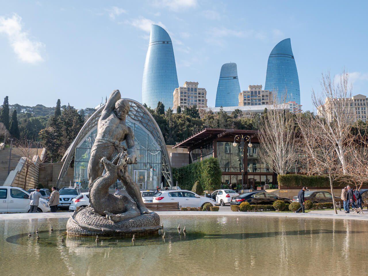 Funikular Baku dolna stacja co warto zobaczyć