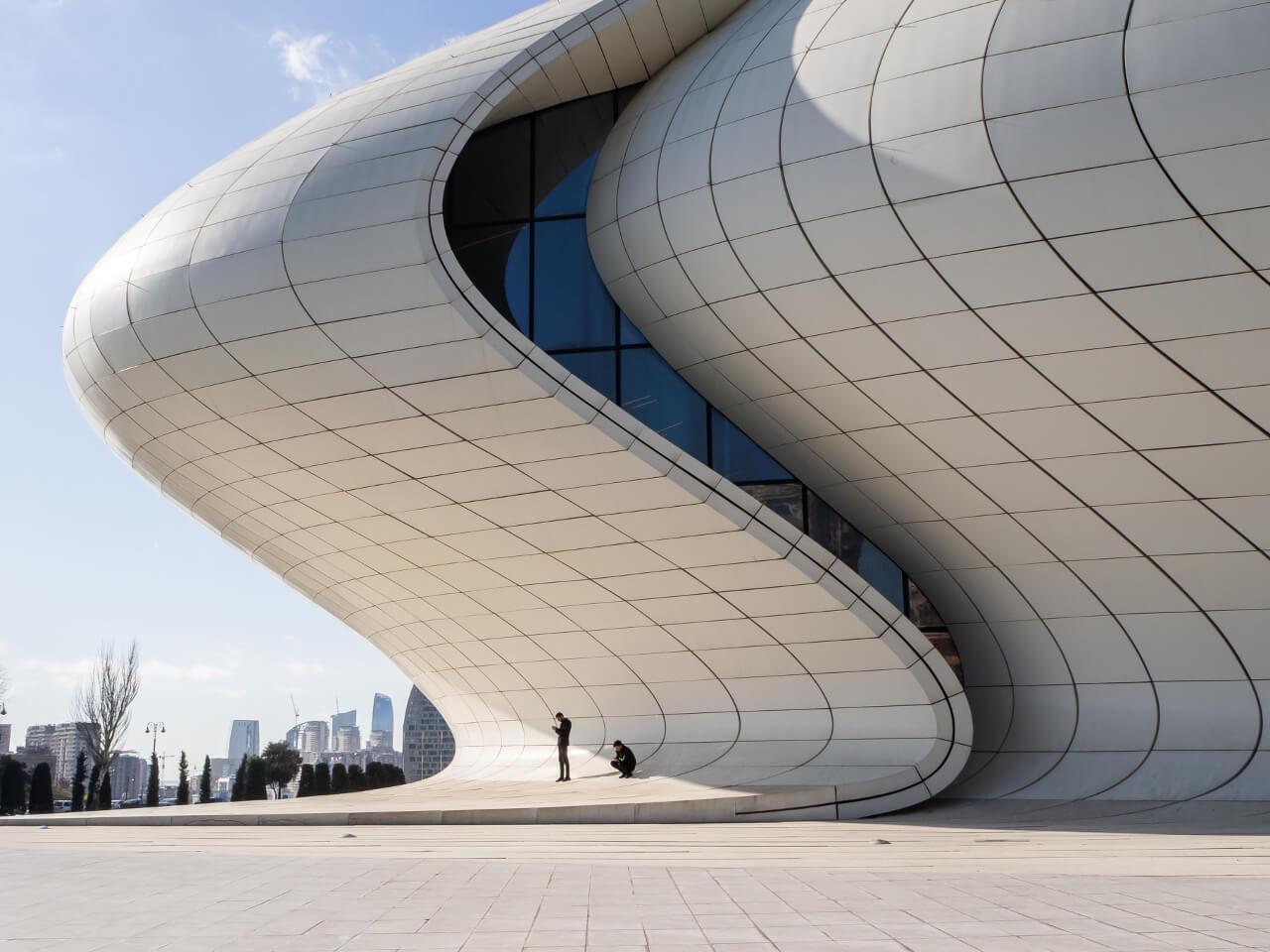 Centrum Heydara Aliyeva w Baku blog podróżniczy