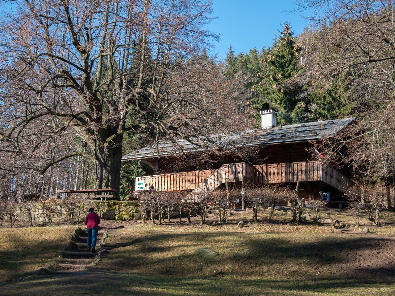 Schronisko PTTK Szwajcarka Góry Sokole