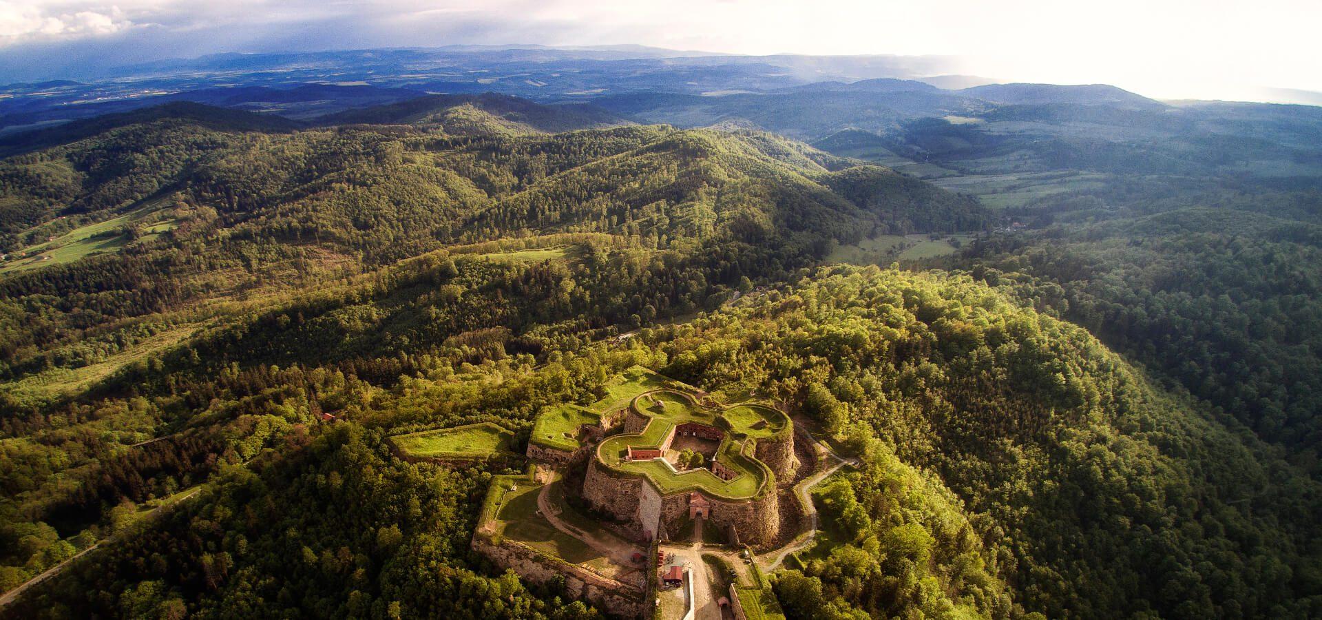 Twierdza Srebrna Góra - co kryje największa górska twierdza w Europie?