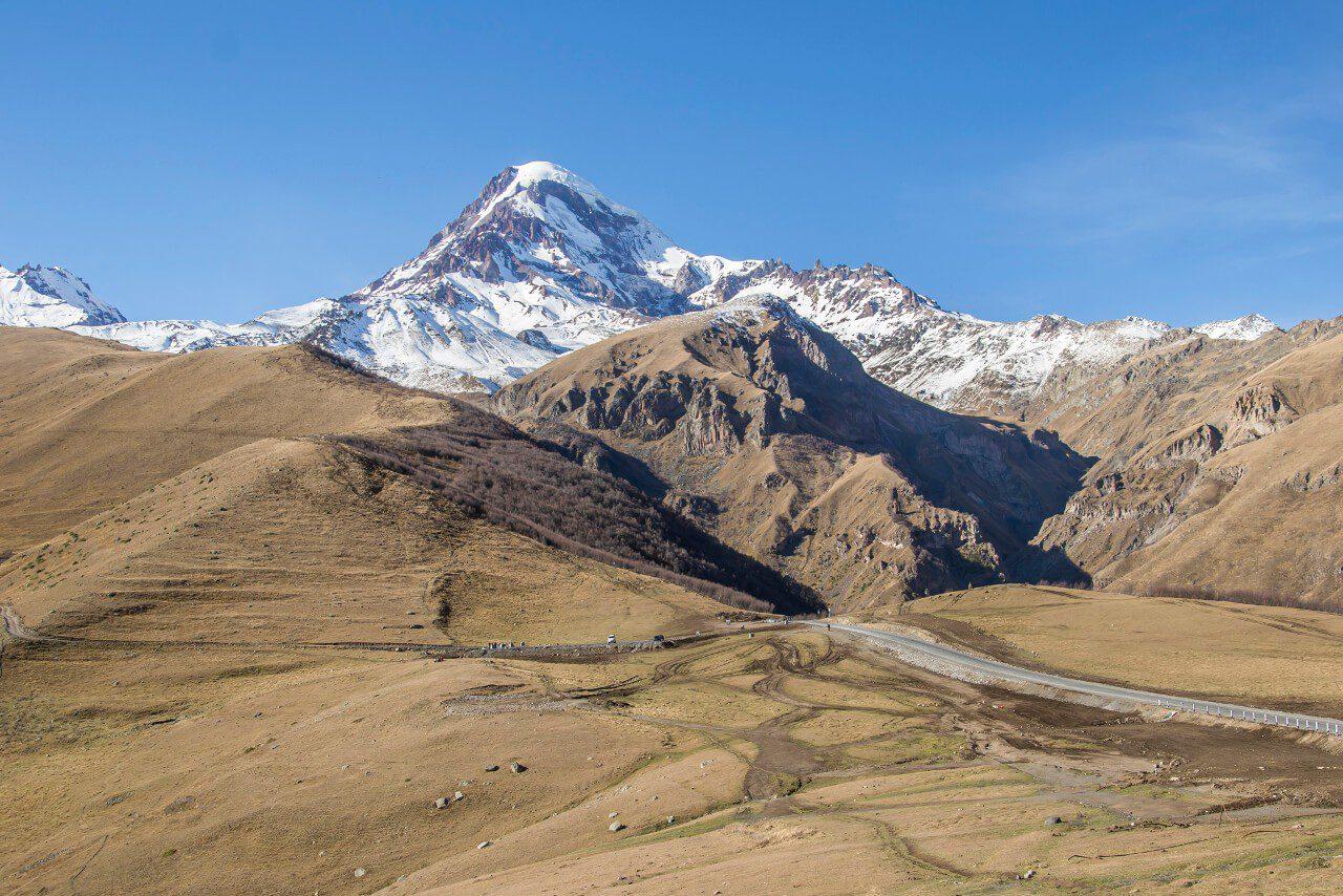 Widok na Kazbek w Gruzji na własną rękę