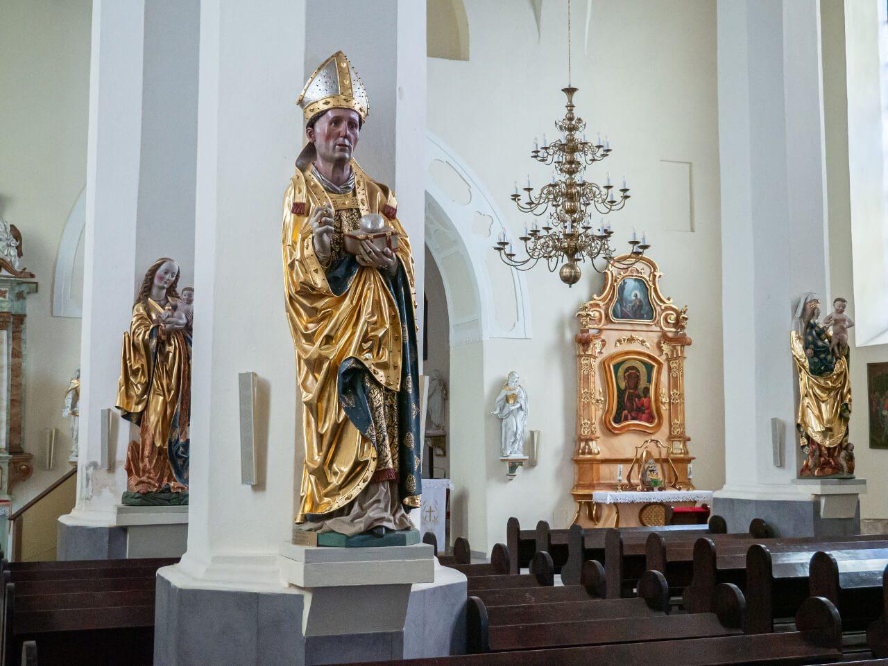 Kościół św. anny rzeźby Sobótka