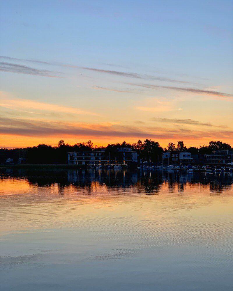 Zachód słońca nad jeziorem Ukiel