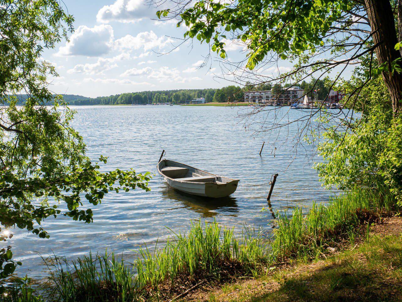 Jezioro Ukiel Olsztyn łódka