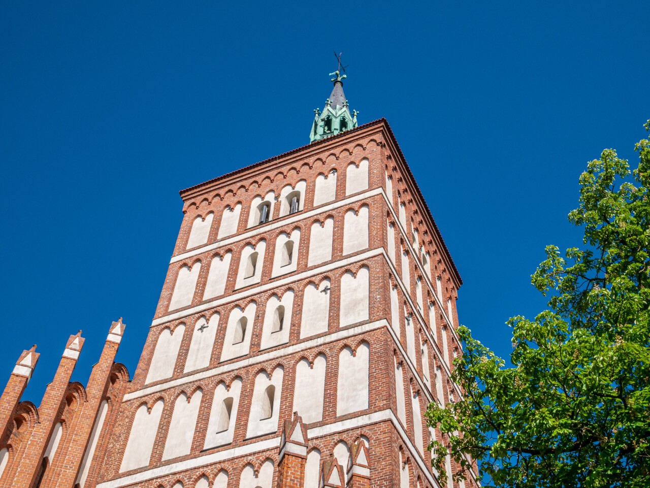 Wieża bazylika konkatedralna Olsztyn zabytek