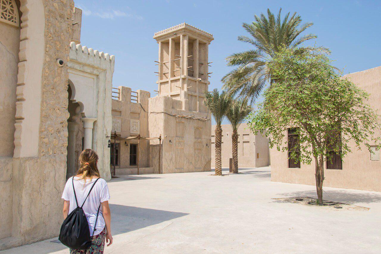 wieże wiatrowe podróż do Dubaju