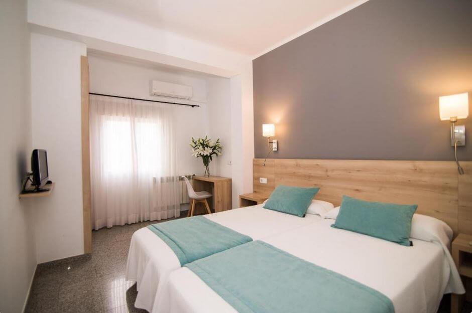 Majorka Palma de Mallorca gdzie spać noclegi Hotel Abelay