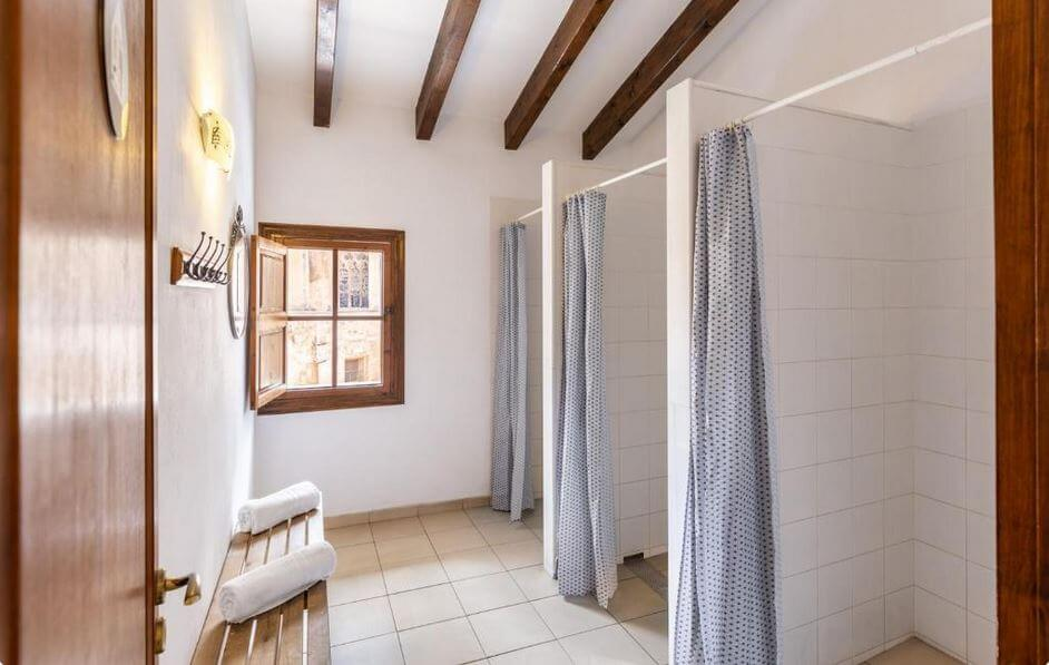 Majorka Palma de Mallorca gdzie spać noclegi El Josemari Youth Hostel - Albergue Juvenil
