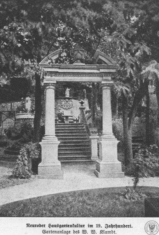 archiwalne zdjęcie brama donikąd wejście do ogrodu neoklasycystyczne elementy nietypowe miejsca na Dolnym Śląsku2