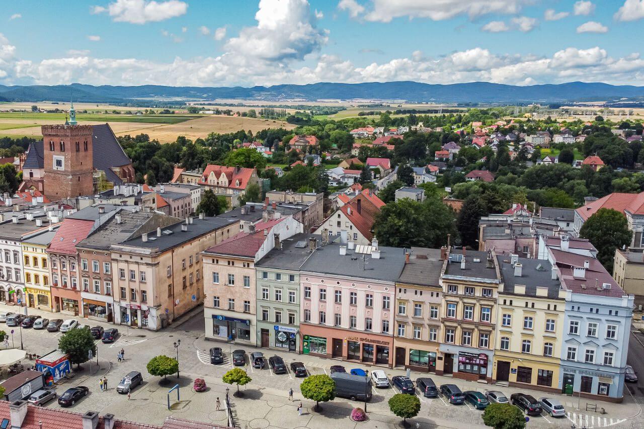 Ząbkowice Śląskie atrakcje Rynek kamienice Krzywa Wieża