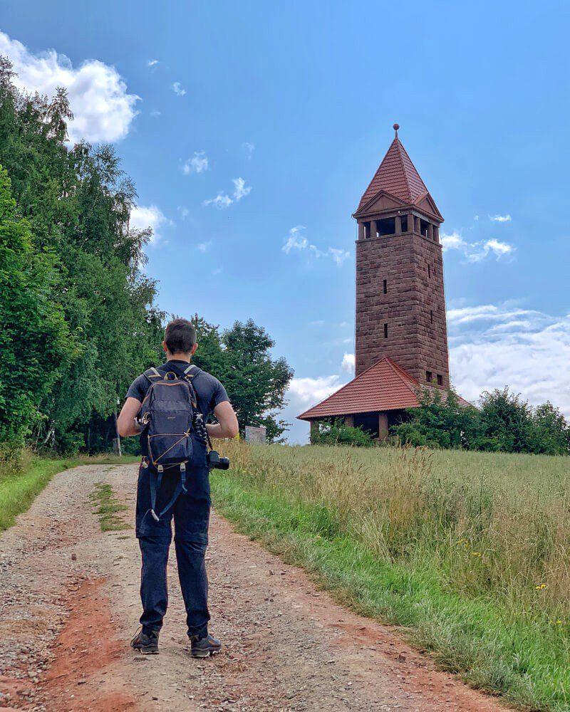 Wieża widokowa na Górze Świętej Anny blisko Nowej Rudy