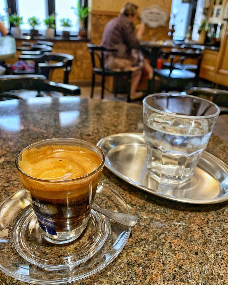 gdzie na dobrą kawę kawiarnia w Nowej Rudzie3 Biała Lokomotywa