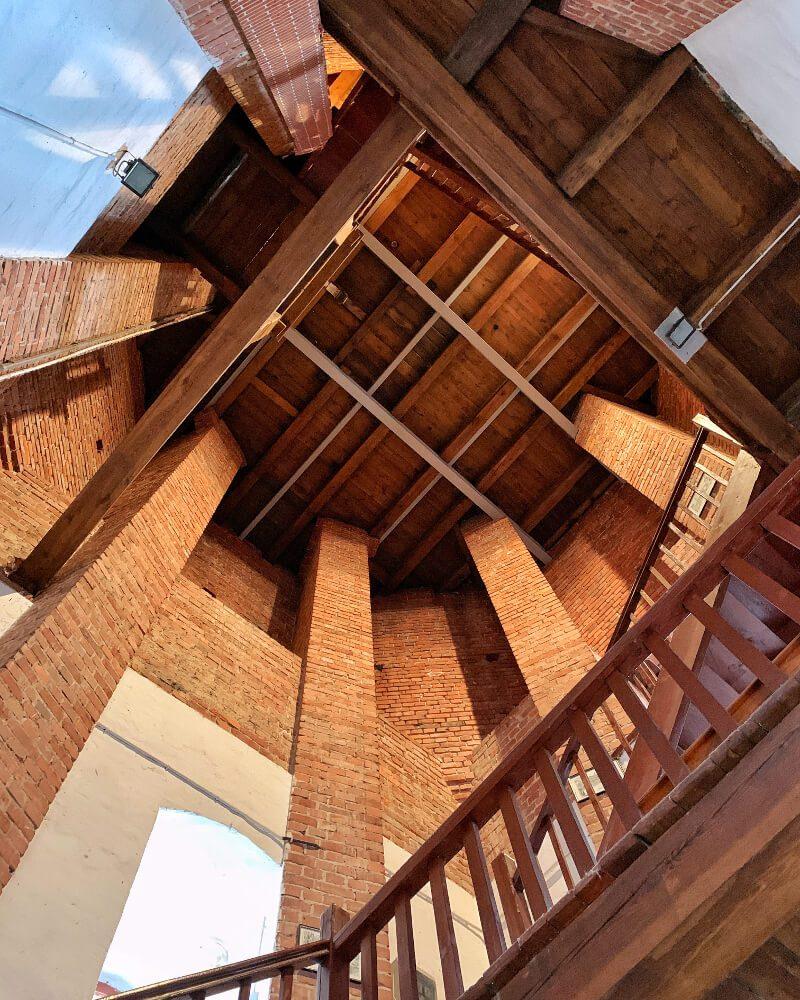 Wnętrze dzwonnicy w Sycowie