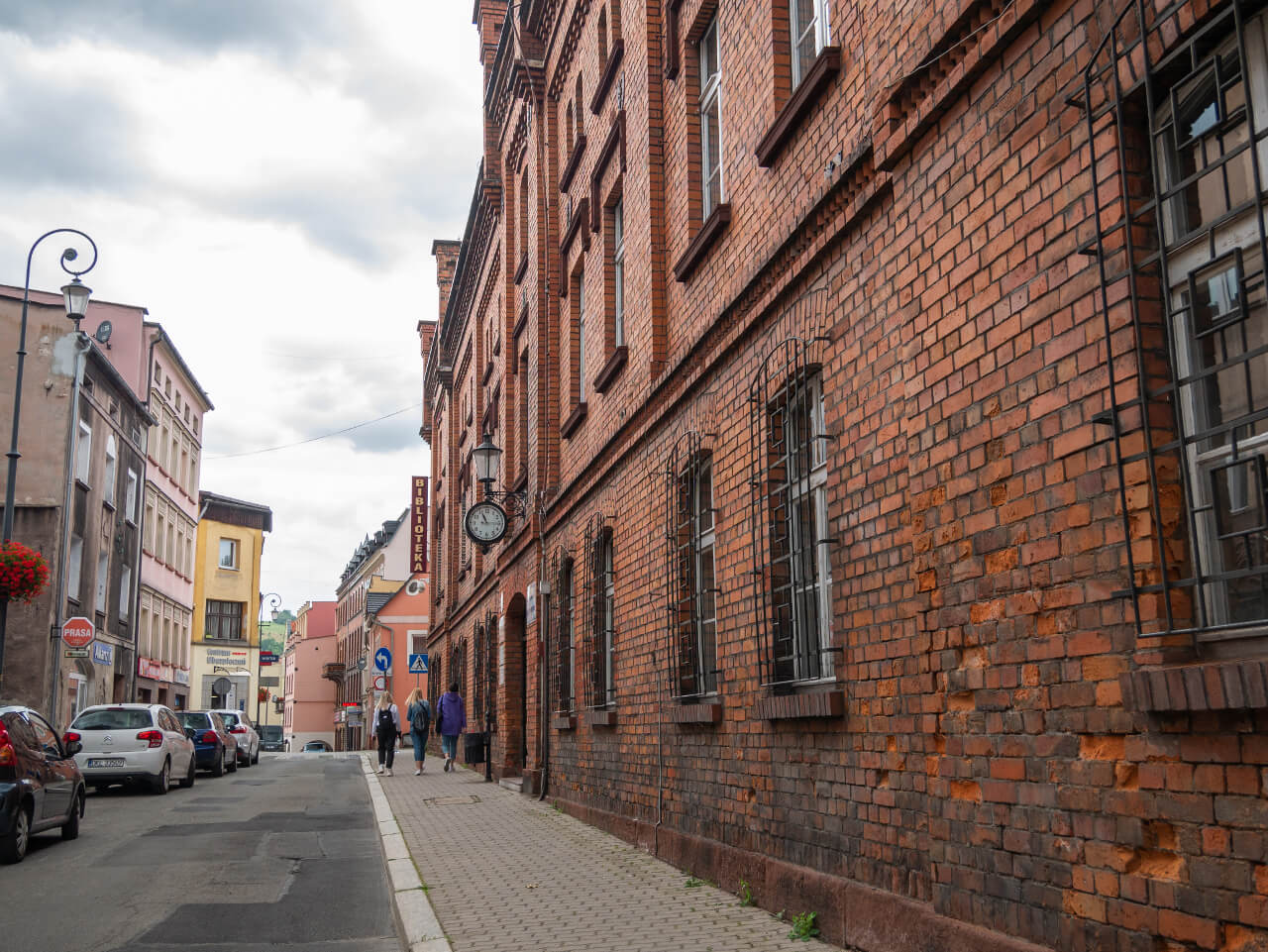 Miejska Biblioteka Publiczna w Nowej Rudzie2 co warto zobaczyć Stary Browar Piwo Noworudzkie Ulica Bohaterów Getta