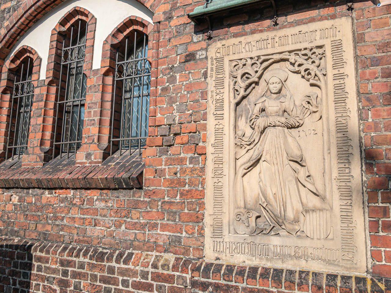 Tablica nagrobna Syców kościół piotra i pawła