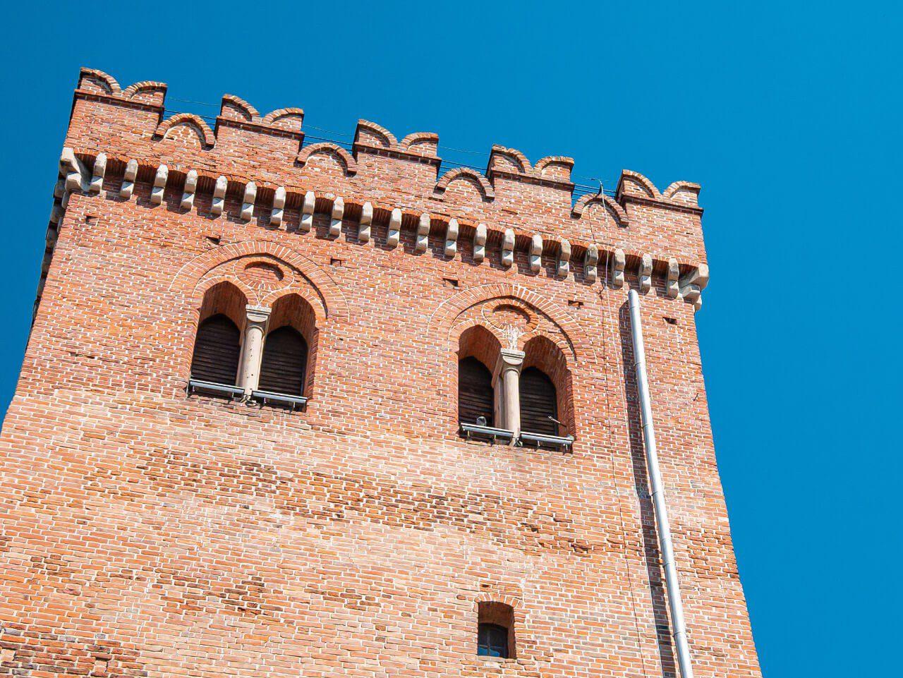 Krzywa Wieża jaskółcze ogony Ząbkowice Śląskie