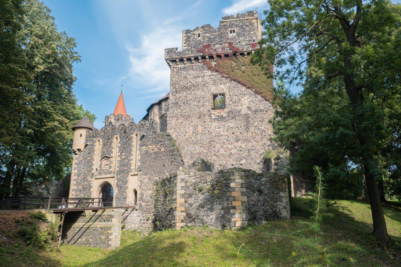 Zamek Na Powulkanicznym Wzgórzu Grodziec Kraina Wygasłych Wulkanów Akcja SzlakMaSmak Okolice Parku Krajobrazowego Chełmy2