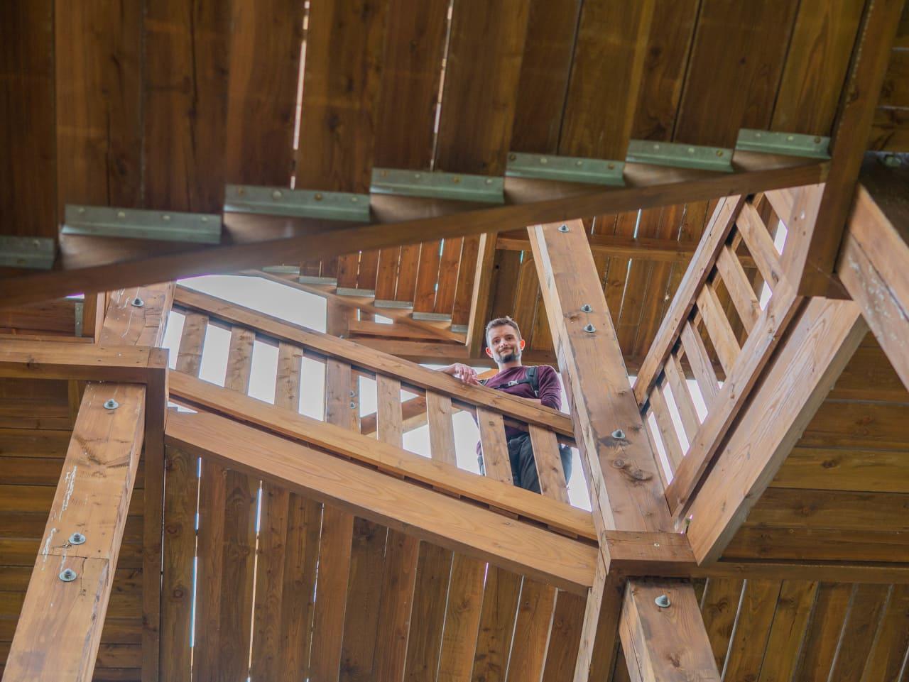 Widok na Ostrzycę Drewniana Wieża Widokowa na Wzgórzu Zawodna Gozdno Panorama Dobry Widok