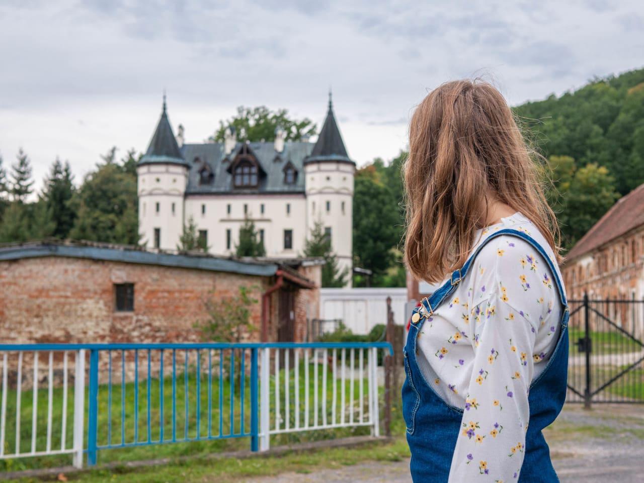 Pałac Sokołowiec Górny Blisko Winnicy Agat w Sokołowcu Folwark Zabudowania Przy Pałacu