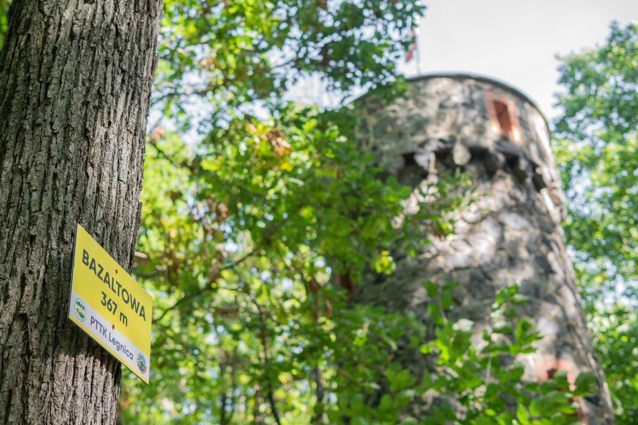 Wieża Widokowa Na Bazaltowej Górze Nietypowe Atrakcje Dolnego Śląska Szlak Ma Smak Kraina Wygasłych Wulkanów